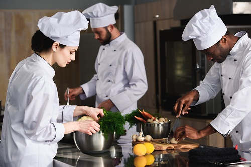 engager un cuisiniste à Lyon