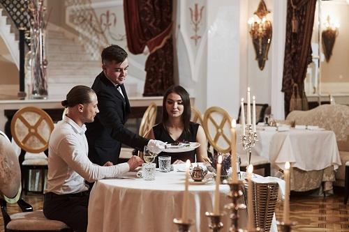 Un repas insolite dans un restaurant tout compris à Paris